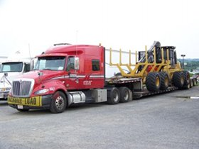 Roehl Transport flatbed truck